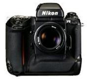 Nikon AF-S VR DX Zoom-NIKKOR 18-105mm f/3.5-5.6G ED-IF