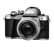 Olympus OM-D E-M10 Mark II +14-42mm f/3.5-5.6 ED EZ Pancake Silver