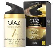 Olaz Total effects touch of foundation dagcrème medium